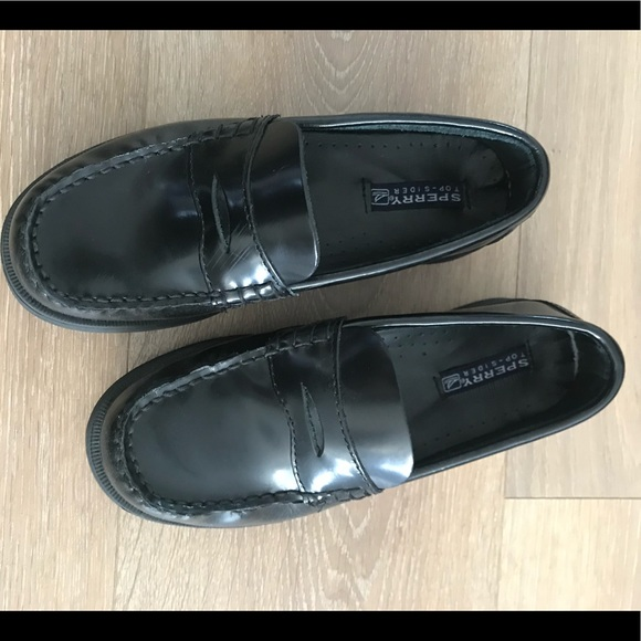 a74a039c136 ... Sperry Kids Colton Loafer. M 5bfb7bba6a0bb71ef5806644